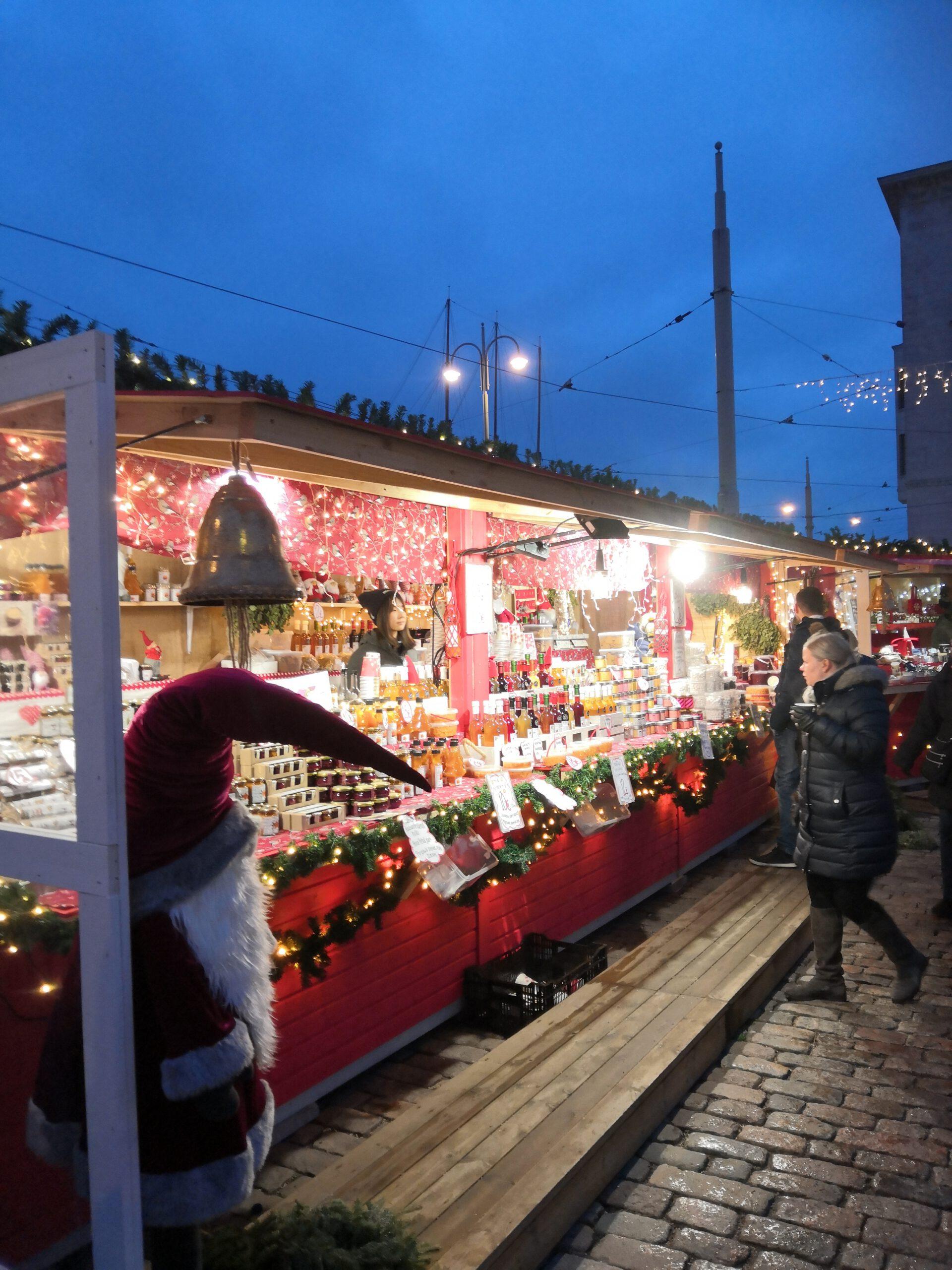 Myyntikoju Mantan joulumarkkinoilla